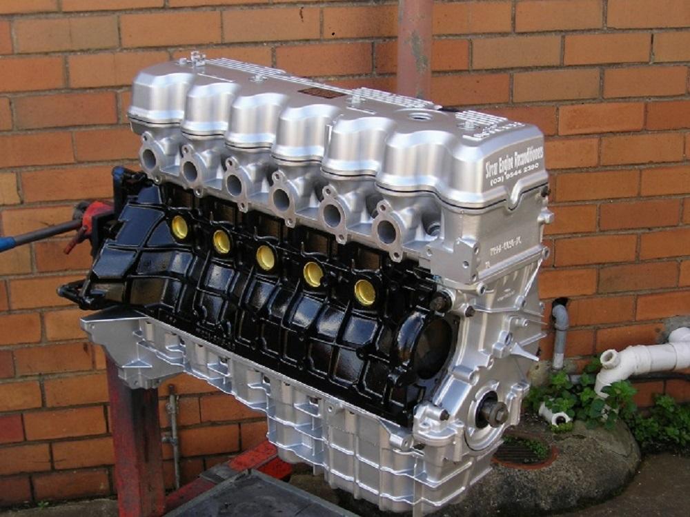 L Ohc Six Cylinder Ford Engine on Ford 427 Windsor Stroker Engine