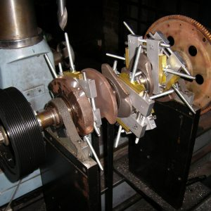 Balancing Holden 3.8L V6 Crank. [Engine Machining].