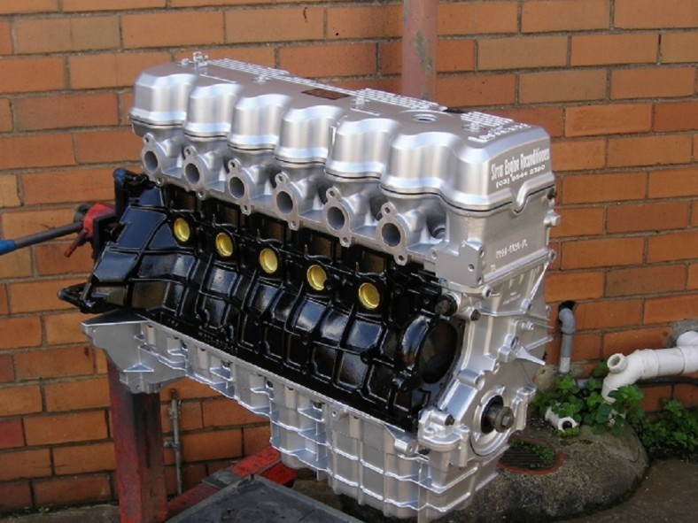 4.0L OHC Six Cylinder Ford Engine.