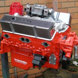 350 - 383ci Chevrolet Stroker Motor with Accessories Fitted.