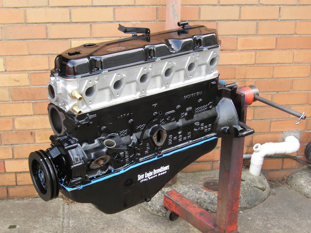 250 ci Ford Crossflow 6 Cylinder Reconditioned Engine.