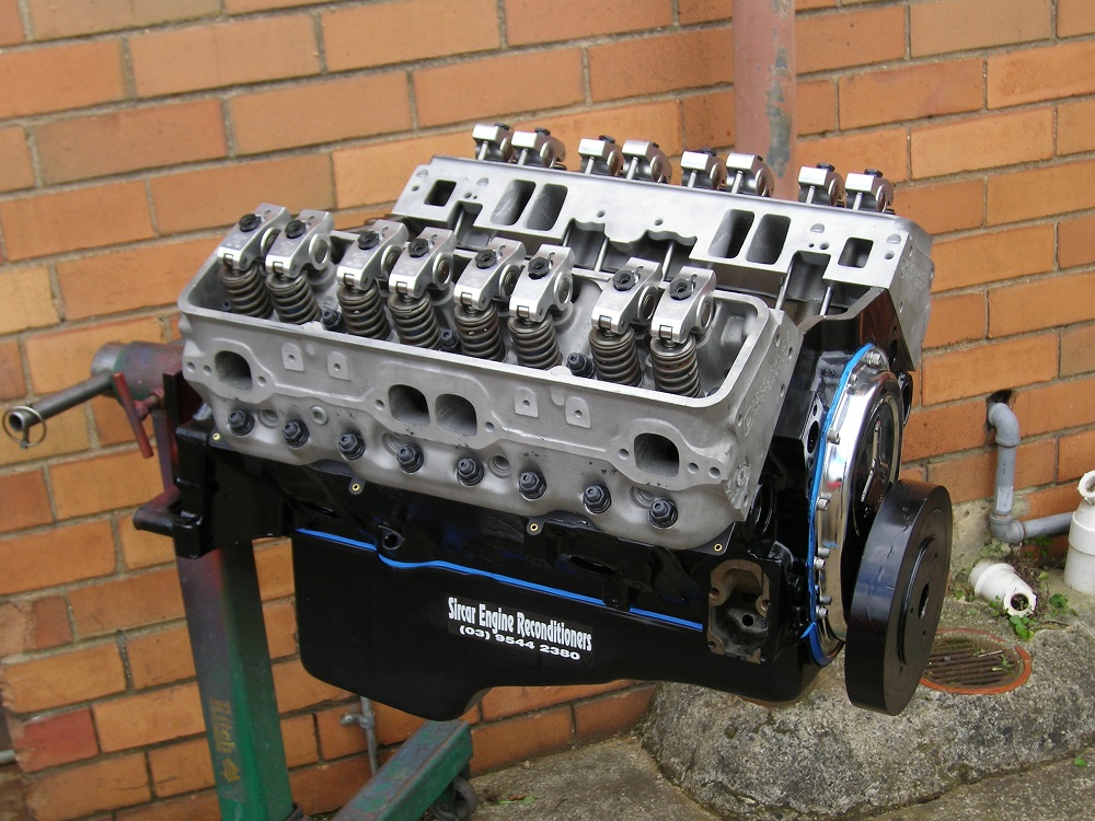 hevrolet 383ci Stroker Engine Reconditioned with Hydraulic Roller Camshaft, H Beam Conrods, Balanced, GMPP Fastburn Heads, Roller Rockers, etc.