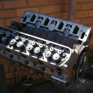 Holden 355 Short motor with VN Heads Fitted.