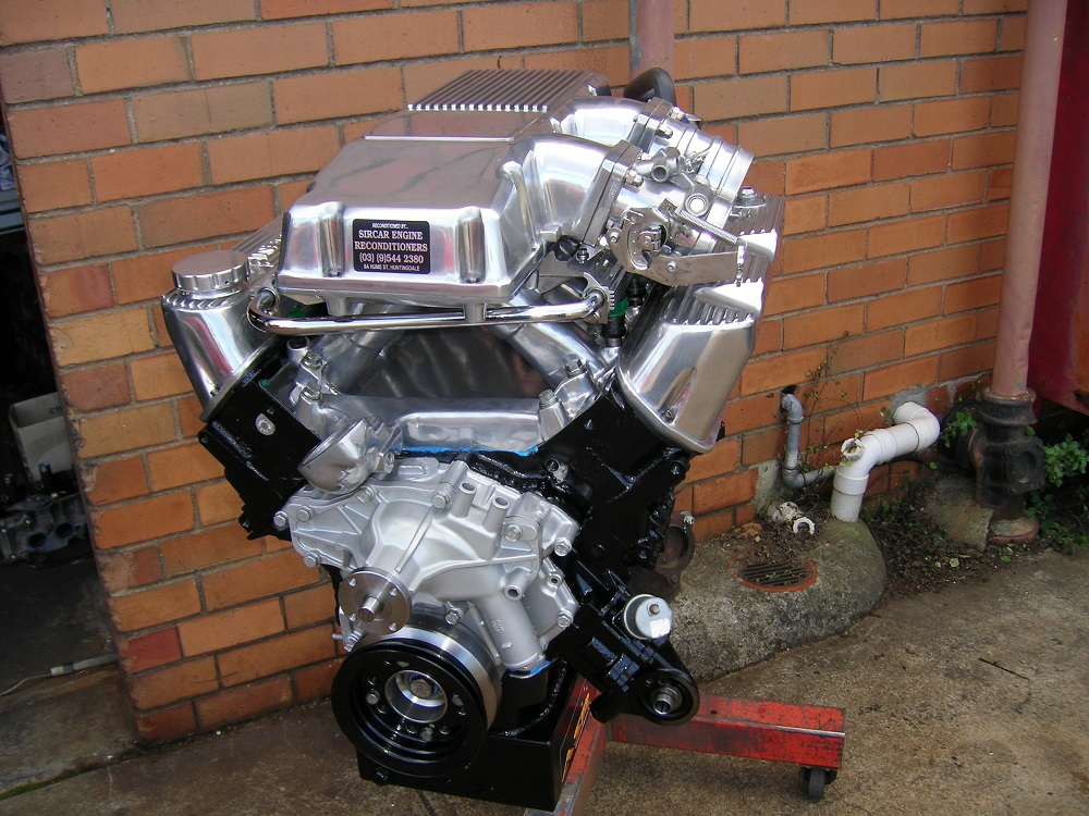 Holden 5.0L Group A Club Racing Engine with a Twin Throttle Body and a Solid Roller Cam.