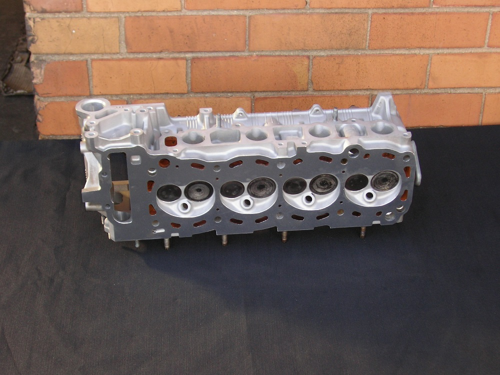 Toyota 2RZ Reconditioned Cylinder Head.
