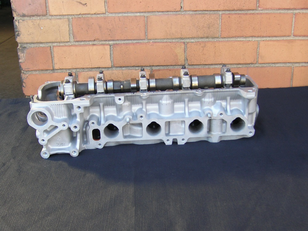 Toyota Hiace 2.4L Reconditioned Head.